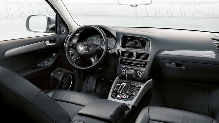 essai routier audi q5 hybride 2013 en faire oublier le. Black Bedroom Furniture Sets. Home Design Ideas
