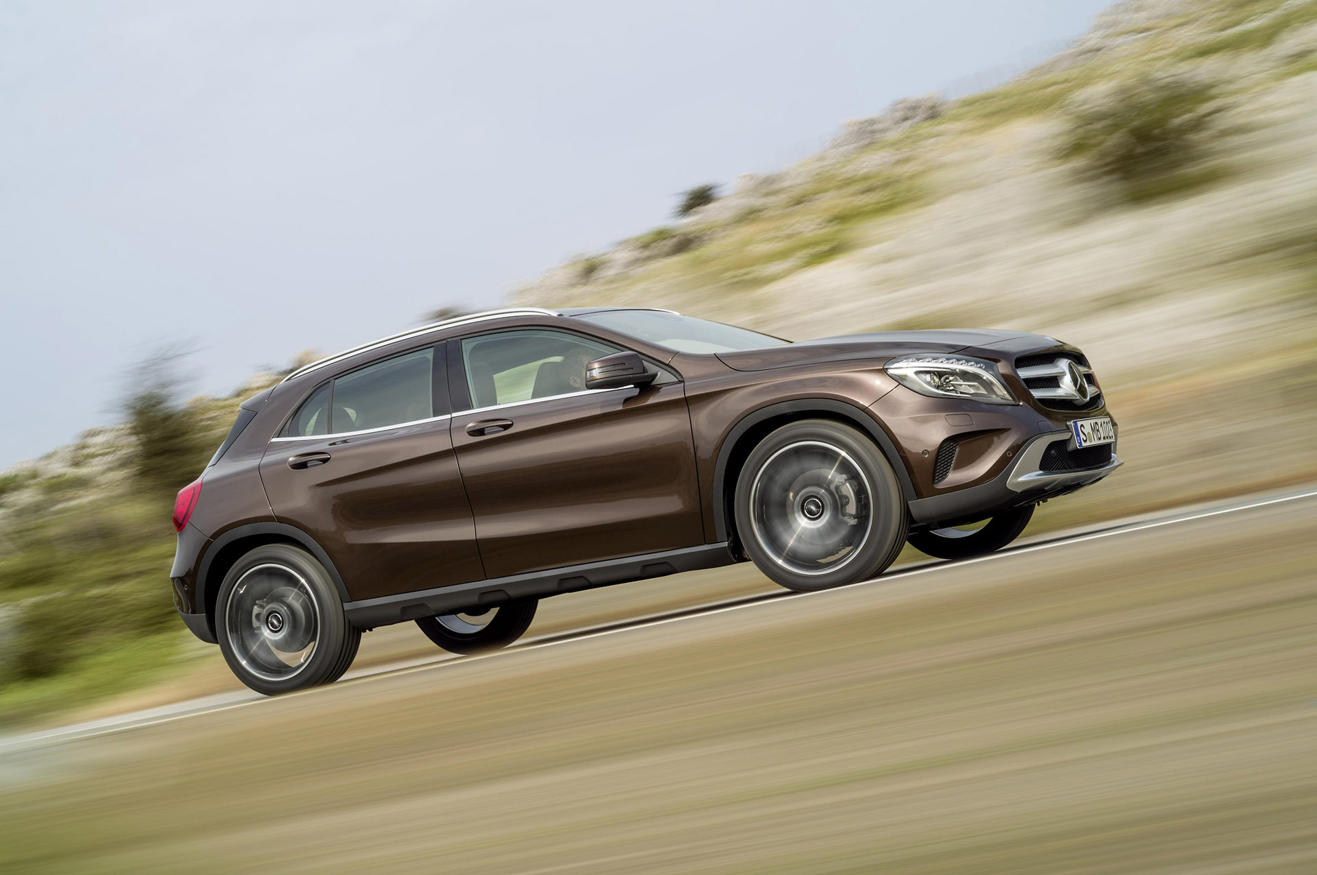 Mercedes-Benz GLA 9