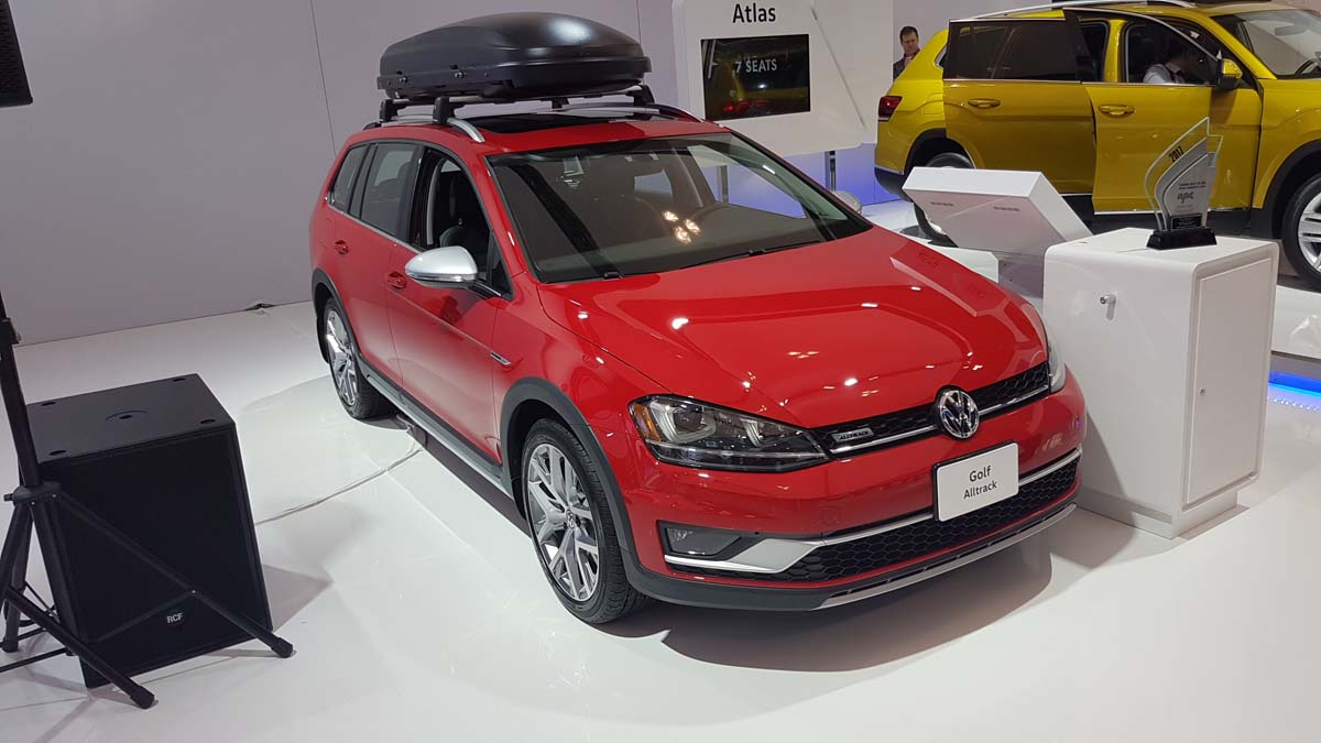 la volkswagen golf alltrack est la voiture canadienne de l ann e selon l ajac ecolo auto. Black Bedroom Furniture Sets. Home Design Ideas