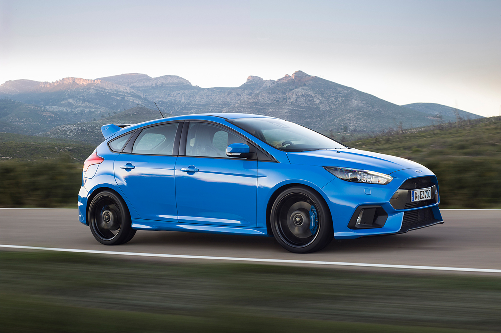 ford-focus-rs-wardsauto