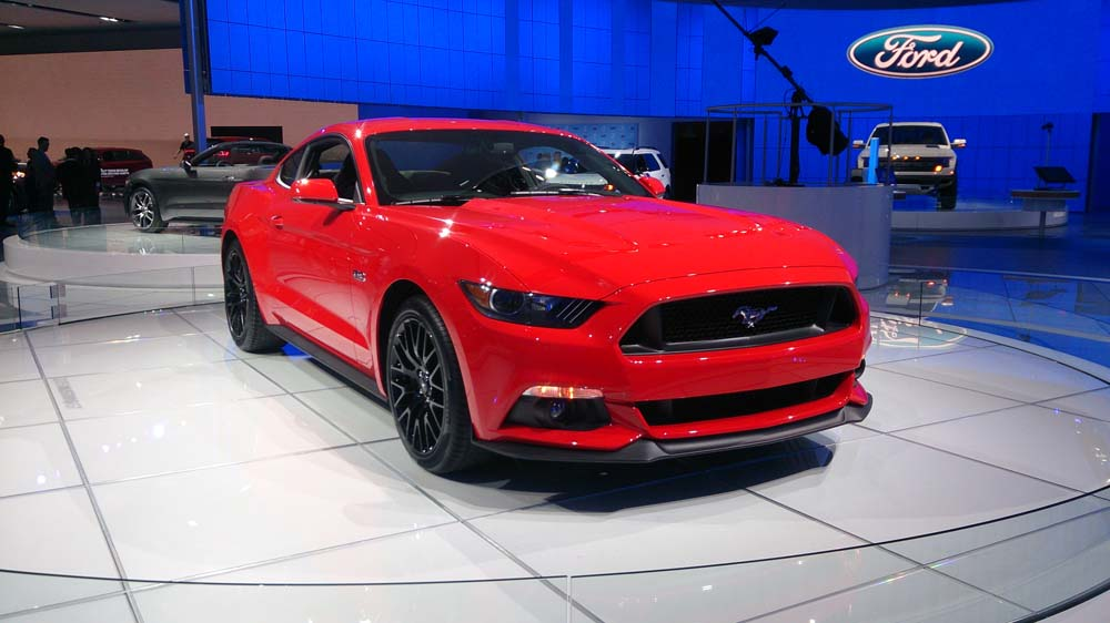 ford mustang 2015 d troit le moteur ecoboost confirm. Black Bedroom Furniture Sets. Home Design Ideas