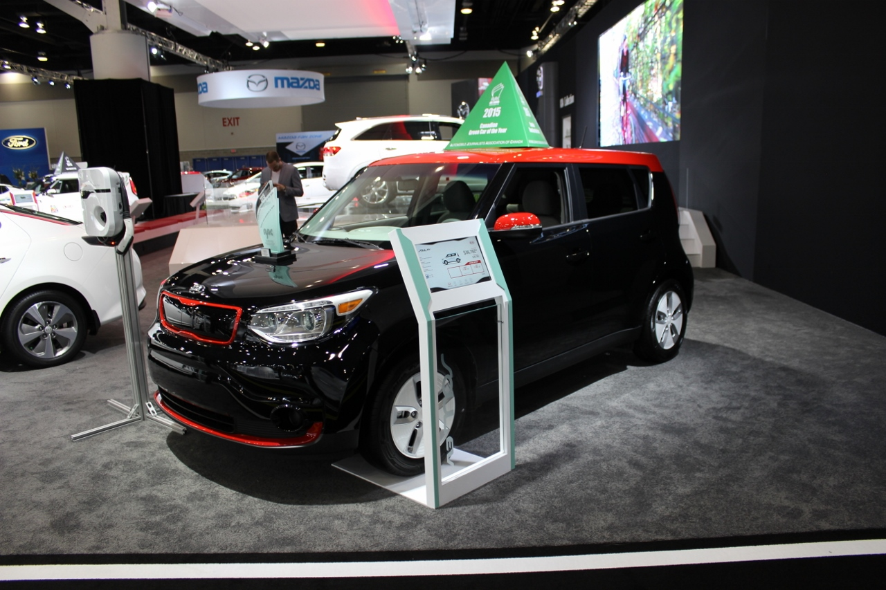 kia soul ev 2015 voiture verte canadienne de l 39 ann e ecolo auto. Black Bedroom Furniture Sets. Home Design Ideas